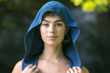 Hooded cape detail